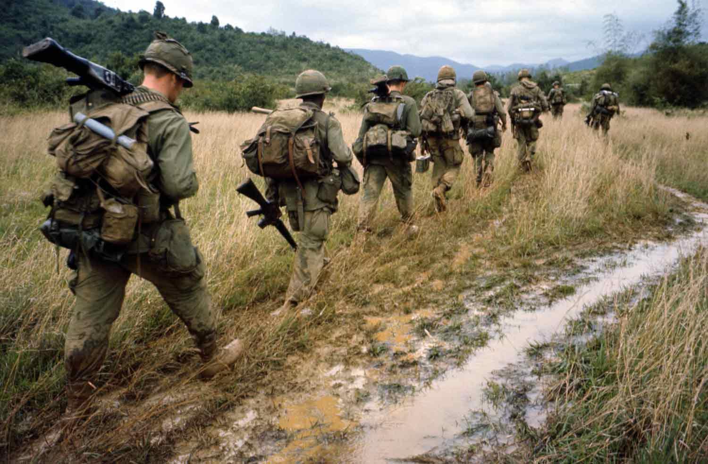 soldiers marhing off to war in vietnam