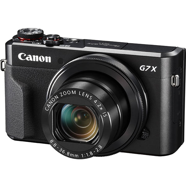 Front side view of the Canon Powershot G7X mark 2